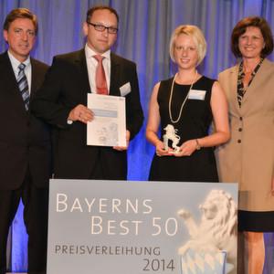 """Preisverleihung """"Best 50"""": Prof. Dr. Thomas Edenhofer von der Jury von Bayerns Best 50, Frank und Kerstin Herzog, geschäftsführende Gesellschafter der Concept Laser GmbH, und Bayerns Wirtschaftsministerin Ilse Aigner (v.l.)"""