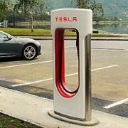 Tesla hat inzwischen 50 Supercharger in Europa in Betrieb.