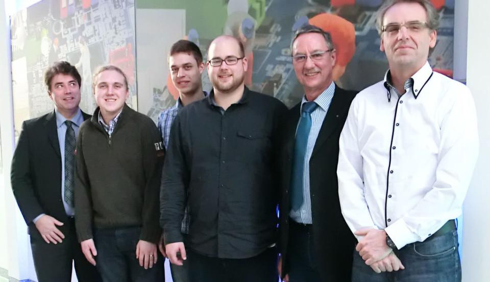 Das Fiducia-Kernteam, das für z/OS Mainframe zuständig ist. Ganz links im Bild ist Roland Trauner von IBM Deutschland zu erkennen, .