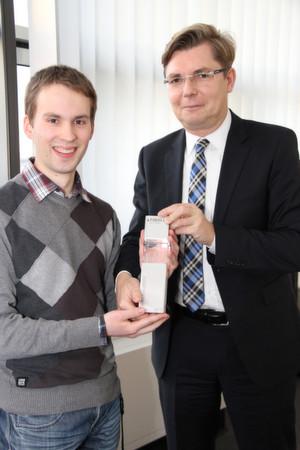 Florian Markus aus Bruchsal, hier mit Personalrat Jörg Staff, arbeitet seit dem Ende seiner Ausbildung in der Software-Entwicklung bei der Fiducia IT AG.