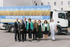 Mit der Speichertechnik Power-to-Mehl wollen die Vogtmühlen Illertissen, die Dena und der bayerische Wirtschaftsministerium künftig Spitzen im Stromnetz aus erneurbaren Energien abfangen.