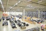 Kostal produziert Lenkrad- und Mittelkonsolen-Bedienelemente sowie elektronische Kontaktsysteme für die Automobilindustrie und nutzt dabei Mehrwegbehälter.