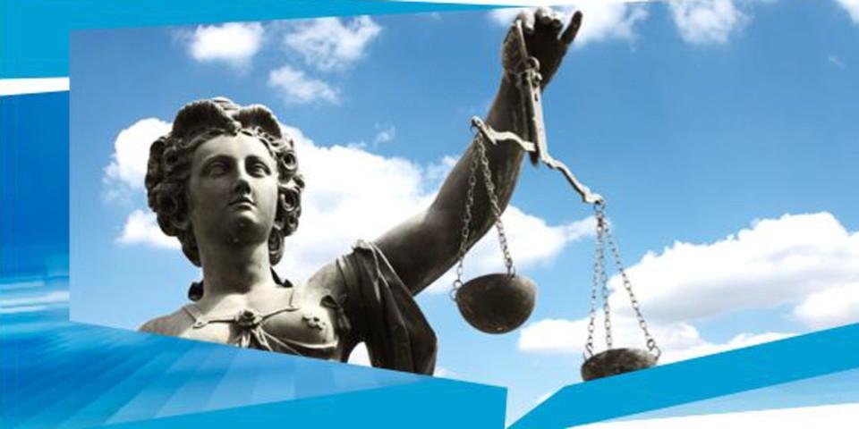 Der Cloud-Recht-Leitfaden der Cloud World AG ersetzt nicht den Anwalt, bietet aber einen guten Einstieg in die Rechte und Pflichten von Kunden und Anbietern.