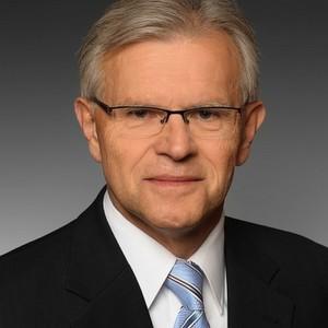 Hermann Stehlik, Vice President Zentraleuropa bei Epicor, spricht sich für die Verknüpfung von Unternehmensprozessen mit Daten und Wissen aus sozialen Netzen aus.
