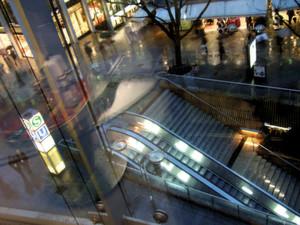 Regencity am Abend: Das Wachstum der Städte hält an. Die erforderliche Kostenoptimierung bietet der Distribution zahlreiche Chancen.