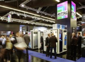 """Rittal präsentiert auf der SPS IPC Drives 2014 gemeinsam mit den Schwesterunternehmen Eplan, Cideon und Kiesling unter dem Motto """"Next level for industry"""" neue Lösungen zur Realisierung effizienter Wertschöpfungsprozesse nach Industrie 4.0."""