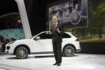Autosalon Paris 2014: Weltpremiere Cayenne S E-Hybrid. Matthias Müller, Vorsitzender des Vorstandes der Porsche AG, präsentiert den neuen Cayenne S E-Hybrid.