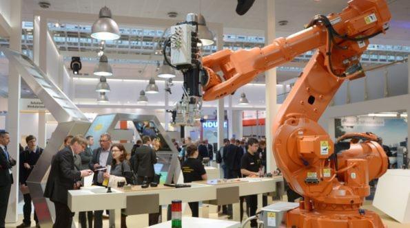 Unternehmen wie Fanuc, Güdel und Kuka präsentieren in Hannover die neueste Robotergeneration. Dabei wird auch die wichtige Rolle der Robotik im Kontext von Industrie 4.0 ein Schwerpunkt sein.