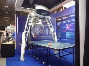 Der Ping-Pong-Roboter von Omron zeigt die Möglichkeiten der Mensch-Maschine-Kommunikation für die Zukunft.