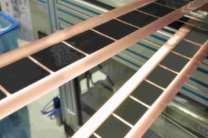 Intermittierende Beschichtung mit präzisen Kanten: Elektrodenfolienbeschichtung in Rekordgeschwindigkeit.