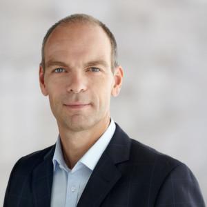 Roland Diggelmann, COO der Division Diagnostics von Roche gab auf einer Pressekonferenz den Bau einer neuen Produktionsanlage zur Herstellung von diagnostischen Produkten im Suzhou-Industriepark bekannt. Roche will somit 450 Millionen Franken in den nächsten drei Jahren in China investieren.