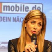 """Fernsehmoderatorin Panagiota Petridou (""""Biete Rostlaube, suche Traumauto!"""") berichtete von ihren Erfahrungen als Verkaufsleiterin für die Marke Mini und den Digitalstrategien im Autohaus Hans Brandenburg."""