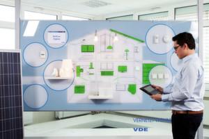 Smart Home: Das Licht steuern, die Heizung oder die Jalousien – im intelligenten Haus kein Problem. Grundlage sind einheitliche Standards und Regulatorien.