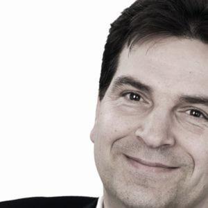 Derek Finke, Direktor Business Development stellt auf der Fachtagung den Online-Servicespezialisten Modix vor. Darüber hinaus darf das Auditorium seinen Fachvortrag lauschen.