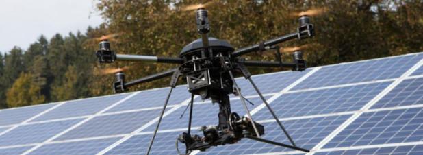 der Air6 im Einsatz: Kontrolle von Photovoltaik-Anlagen.