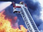 Feuer und Daten gelöscht (Deutschland): Bei einem Brand rechnet man nicht unbedingt mit einem Datenverlust durch Wasser. Doch einem Feuerwehrmann ist genau das passiert, als er sein Nokia-Smartphone bei einem Einsatz dabei hatte. Durch das Löschwasser wurde das Gerät so stark beschädigt, dass alle Daten – inklusive 732 Fotos von Freunden und Familie – verloren waren.