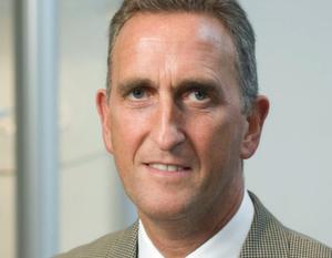 """John Boyd, Geschäftsführer MAG Maintenance Technologies Europe: """"Wir liefern nicht nur den üblichen Support, sondern auf Wunsch auch die Technologie um eine Maschine wirtschaftlich einsetzen zu können. Unser Kunde soll alles, was er braucht aus einer Hand bekommen."""""""