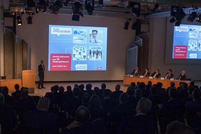 Ein neuer Besucherrekord zum 15. Jubiläum: über 300 Besucher fanden sich zum Team-Logistikforum 2014 in Paderborn