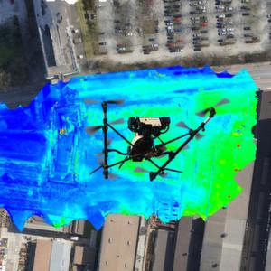 Eine Drohne macht's möglich: Siemens-Forscher analysieren erstmals Energieverluste eines ganzen Stadtteils im Flug.