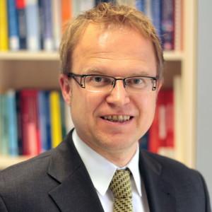 Das Fachgebiet Mess- und Regelungstechnik der Universität Kassel unter Leitung von Prof. Dr.-Ing. Andreas Kroll untersucht im Rahmen des Projekts Methoden zur frühzeitigen Erkennung kritischer Situationen.