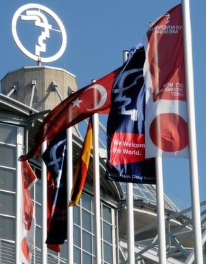 Viel Andrang aus aller Herren Länder erwarten die Veranstalter der Hannover-Messe auch für 2008. Bild: Hannover-Messe