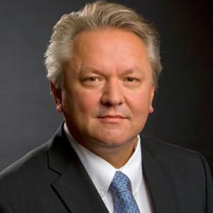 <b>...</b> KSPG AG hat <b>Armin Papperger</b> zu seinem neuen Vorsitzenden gewählt. - 4