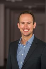 """""""Derzeit kranken die Ware-zu-Mensch-Systeme daran, dass Sie hohe Anfangsinvestitionen haben und trotzdem wieder Menschen für den Pickvorgang brauchen"""", sagt Frederik Brantner, kaufmännischer Geschäftsführer bei Magazino."""