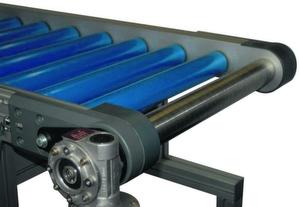 Der Rollenförderer RFK 300 deckt ein Leistungsspektrum von 0,5 bis 300kg Förderlast je Antriebsstrang ab; seine Konstruktion folgt dem Kompatibilitätsprinzip des Systembaukastens von Mini Tec. Bild: Mini Tec
