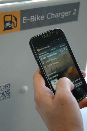 E-Bike Charger: Per Android-App lässt er sich öffnen und die gewünschte Lademenge buchen.