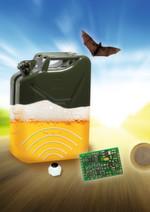 Den Füllstand von Tanks und austauschbaren Einwegbehältern misst der Ultraschall-Sensor von IS-LINE mit einem Dry-Coupling-Messkopf berührungslos. Aus der Laufzeit des Ultraschalls zwischen dem Boden und dem reflektierenden Flüssigkeitsspiegel kann der Füllstand auch in schäumenden Flüssigkeiten sicher bestimmt werden.