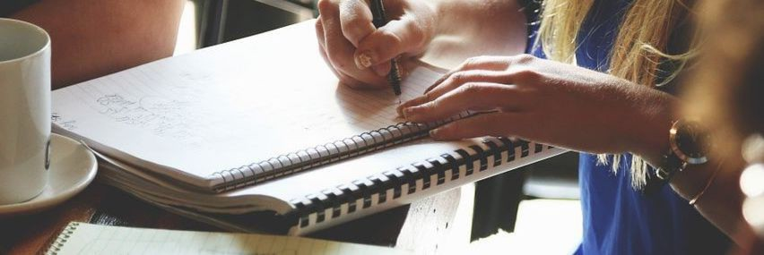 """Die repräsentative Studie """"Kompass neue Arbeitswelt"""" befragte Beschäftigte aller Berufsklassen zu ihrer aktuellen Jobsituation sowie zu ihren Erwartungen an die Zukunft."""