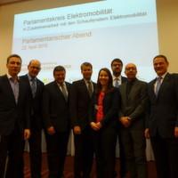 Wie Bundestagsabgeordnete die Zukunft der Elektromobilität sehen