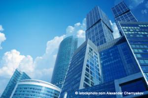 Banken und Versicherungen haben oft großrechnerbasierte Individualentwicklungen, die unter Umständen teuer kommen und nur noch aus Compliance-Gründen in Betrieb sind.