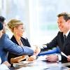 So gewinnen, motivieren und binden Sie qualifizierte Mitarbeiter