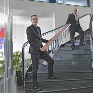 Die Doppelspitze von Hymer-Leichtmetallbau: Geschäftsführer Gerald Schock (links) und Jörg Nagel (rechts).