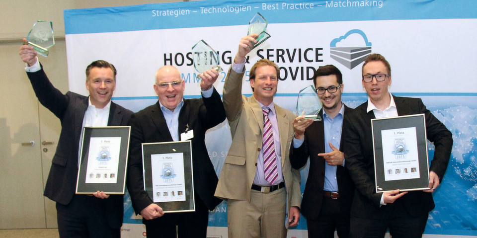 Die Gewinner des HSP Award 2015 (v. l.): Dr. Christian Böing (Strato), Heiko Weidlich (PKN), Thomas Kucher (GreenBee) sowie Alexander Windbichler und Benjamin Klempin (beide Anexia)