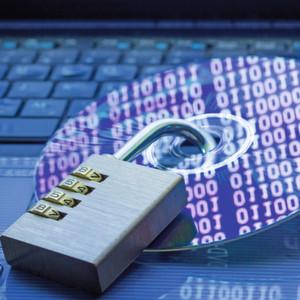 """Digitale Einfallstore für Datenklau und Cyberkriminalität bestehen auch in der """"Smart Factory"""". Die Diskussion über Datenschutz und Datensicherheit in der Industrie sollte daher aktiv geführt werden."""