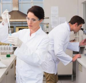 1 Das Klinische Institut für Neurologie in Wien (KIN) untersucht sowohl Proben aus dem Bereich der Neuropathologie als auch aus dem Bereich der Neurochemie/Labormedizin.