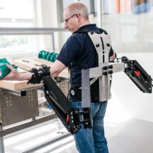 Erstes Exoskelett für die Industrie präsentiert