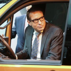 Dobrindt will gesetzliche Regeln für digitale Fahrzeugdaten