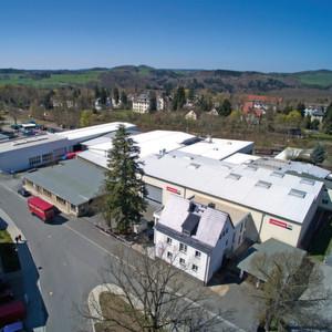Der Stammsitz der Firma Lehmann befindet sich in Jocketa in der Gemeinde Pöhl. 2015 feiert das inhabergeführte Unternehmen seinen 70. Geburtstag.
