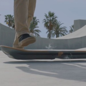 "Lexus baut das schwebende Skateboard aus ""Back to the Future"""
