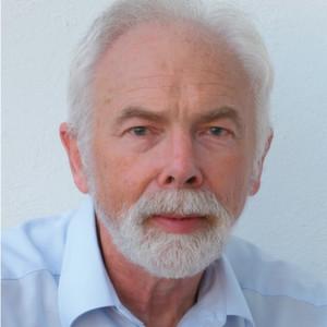 Professor Jochen Ludewig hielt den Eröffnungsvortrag beim ESE Management Summit in Würzburg. In seinem Referat ging er darauf ein, dass der Preis für schlechte Software-Qualität im Embedded-Umfeld sehr häufig in sichtbaren oder schleichenden Katastrophen besteht.