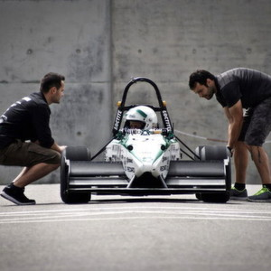 Das GreenTeam-Formula Student Team aus Stuttgart will in unter 1,785 Sekunden auf 100 km/h spurten.