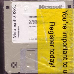 Das ursprünglich gemeinsam mit IBM entwickelte OS/2 sollte zur Grundlage für das erste 32Bit-Betriebssystem von Microsoft werden.