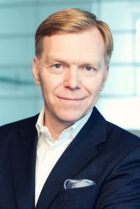 Frank Plümer ist Geschäftsführer von plümer)communications.