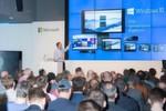 Windows 10 soll eine gemeinsame Plattform für alle Devices bieten - von Desktops, über Tablets bis hin zum Smartphone, nicht zu vergessen auch die neue Hololens und die Gaming-Console Xbox. Im Bild: Oliver Gürtler, Leiter Geschäftsbereich Windows bei Microsoft Deutschland.