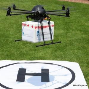 Schnelle Rettung: Eine Drohne bringt dringend benötigte Blutkonserven.