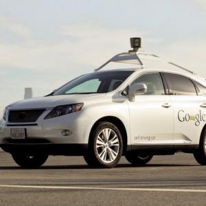 Ein Fahrradfahrer hat einen Lexus mit Google-Technik vor Probleme gestellt.