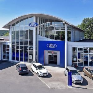 Das Autohaus Reichstein & Opitz in Jena feierte am 3. September im Beisein von rund 200 geladenen Gästen offiziell sein 25-jähriges Bestehen.